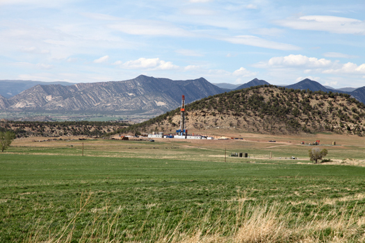 Gas drilling rig in Garfield County
